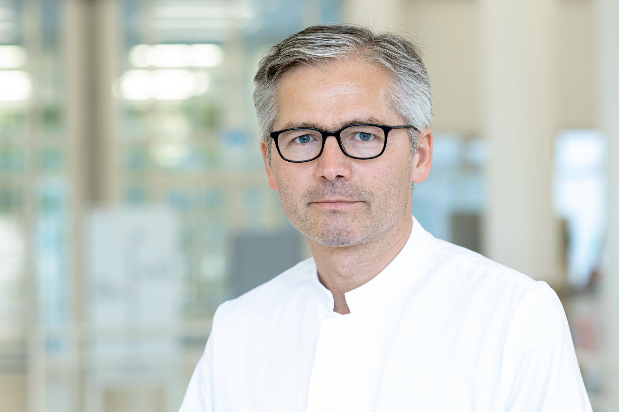 PD Dr. med. Dr. phil. Lambros Kordelas